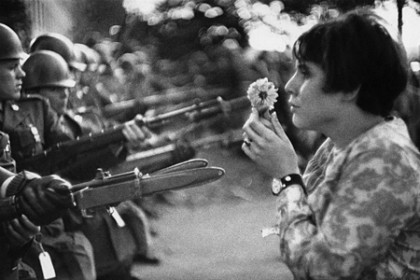 riboud-flower-girl
